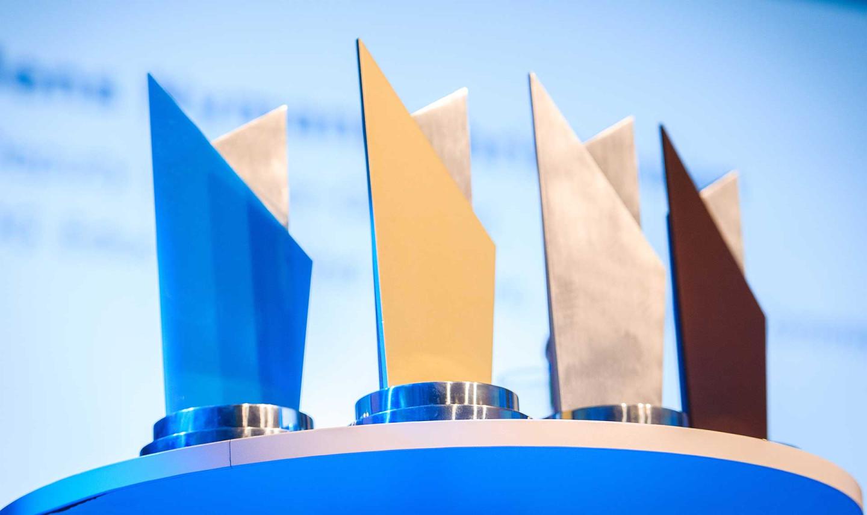 awards_header_0